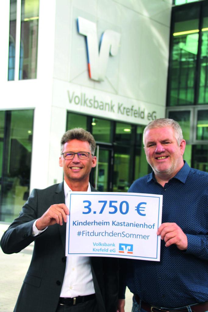 Stefan Rinsch (Vorstandsvorsitzender der VB) Jens Lüdert (Einrichtungsleiter Kastanienhof)